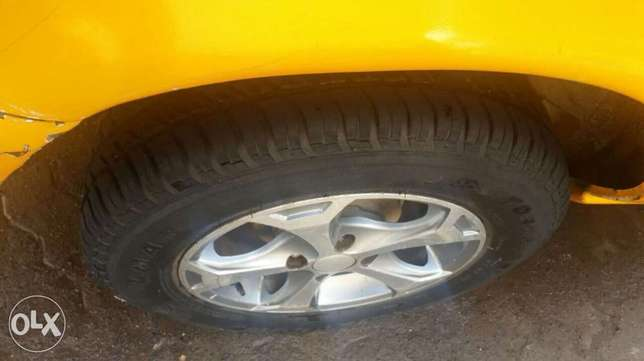 Nissan b13 1300cc fully running car body work only needed new tires Pangani - image 7