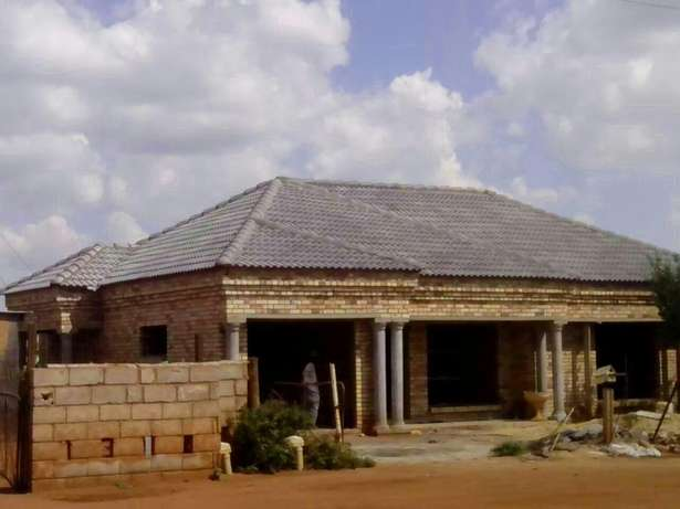 All your carpentry work, Roofs ceilings. Doors. Floors . Etc Potchefstroom - image 2
