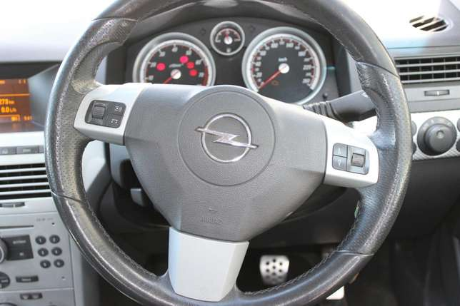 Opel Astra 2.0 Turbo Kuils River - image 5