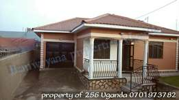 A beautiful 3 bedroom bang low in seeta gwaffu at 150m
