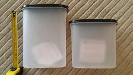 2 Tupperware containers