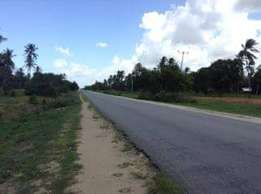 450000 Ksh Touching the road plot for sale 95% sold