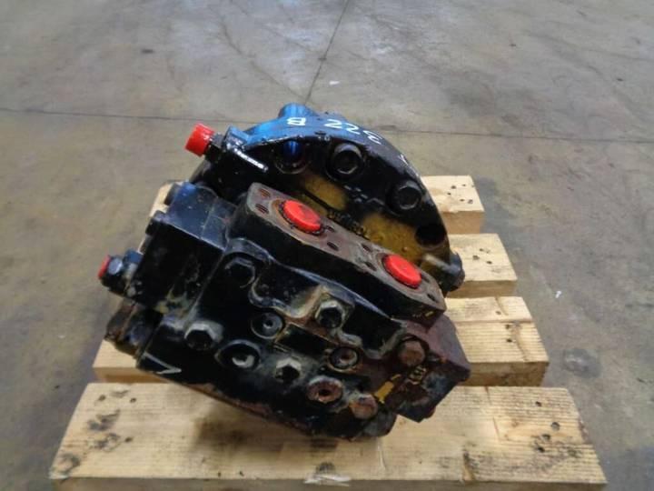 Caterpillar hydraulic motor for  322 B excavator