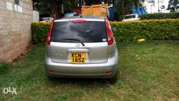 A newly a lived Nissan note