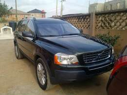 Sharp Volvo XC90 SUV Tokunbo from swiss Dark green color ,sound in&out
