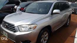 Nigerian Used Toyota Highlander 2009. 3-Row Seat, Excellent Condition.
