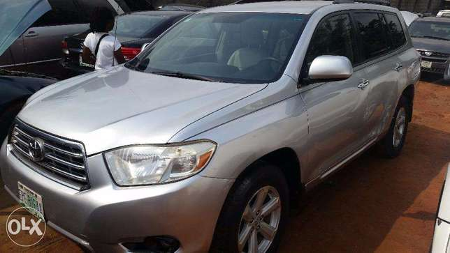 Nigerian Used Toyota Highlander 2009. 3-Row Seat, Excellent Condition. Lagos - image 1