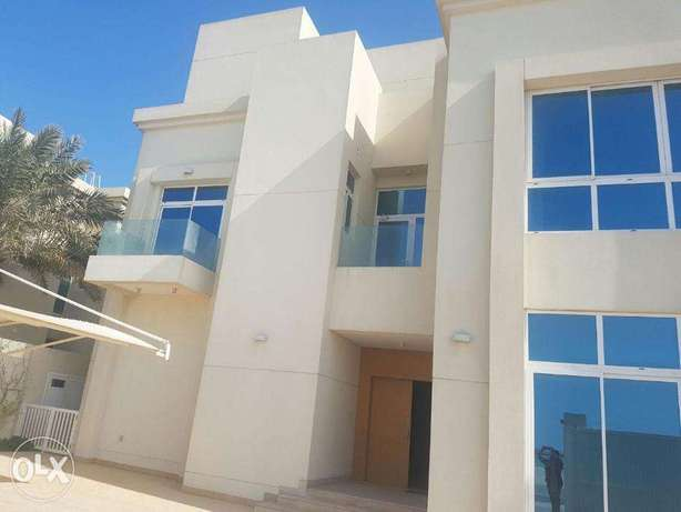Spacious Sea Side Villa At Amwaaj Island (Ref No: AJM13)