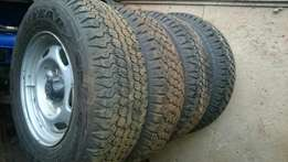 Bakkie rims and tyres