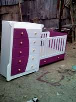 Elegant baby Cot and chest of drawers,well finished