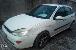 A clean and neatly used Ford Focus 2002 model