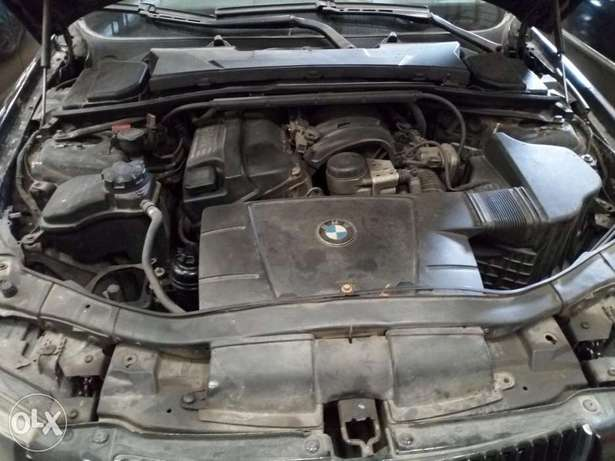 Extremely Clean BMW 3i Series Alausa - image 5