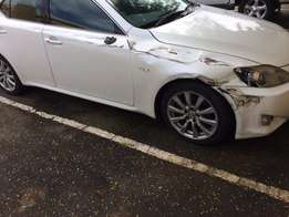 2007 LEXUS IS250 auto pearl white immaculate has Rh damage
