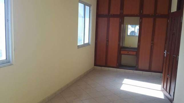 Luxurious and very spacious 3 bedroom apartment to let Nyali - image 3