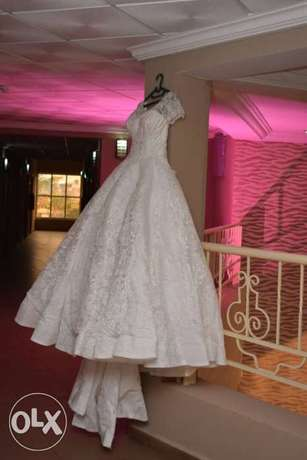Princess wedding structured gown. Asaba - image 1