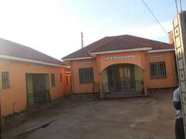 3bedrooms and 2bedrooms house with boy's quaters for sale in nakuwandd