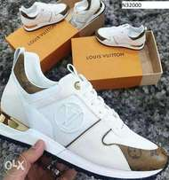 Louis vuttion sneakers offwhite