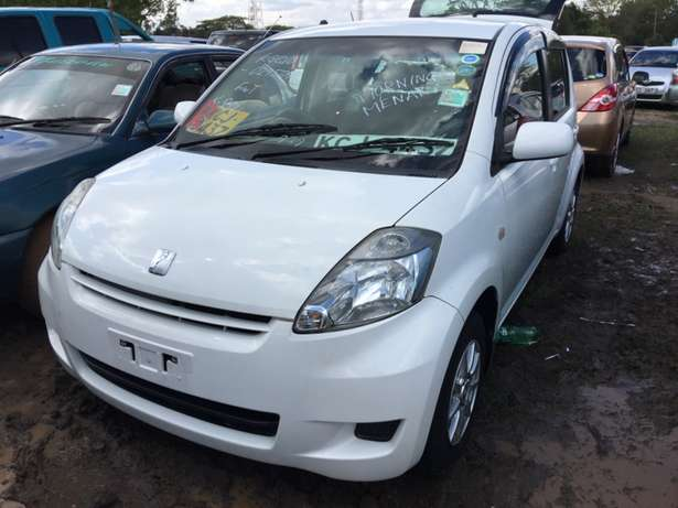 Toyota Passo: Woodly - image 1