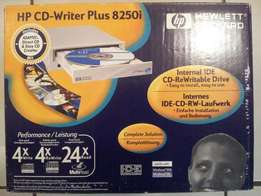 HP CD-Writer Plus 8250i for sale [Bellville, CTN]