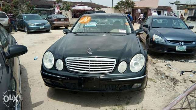 Clean Foreign Used 2004 Merc-Benz E500 4Matic With Leather Navigation Lekki - image 2