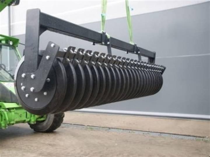 Packer crosskillwalze  dachring keilring - 2016
