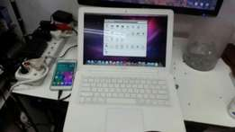 Core.2 dual mac book pro very cheap for only 2700