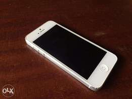IPhone 5 White 16GB (Used)