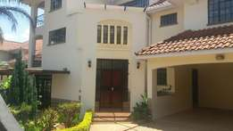 4 bedroom town house to let in spring valley.