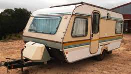 1987 Caravette 6 in good condition for sale. R30000.00 O.N.C.O.