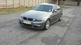 2011 bmw 320I M / Sport E90 with 2keys and services history