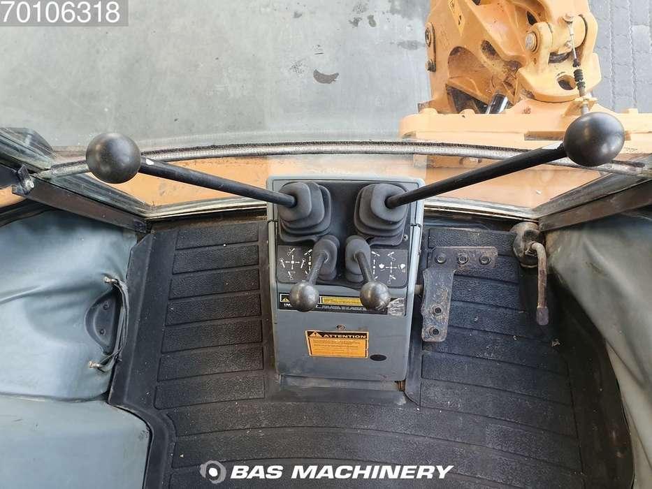 Case IH 580 SLE - 1999 - image 16