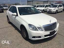 Mercedes Benz E300 KCN number. Loaded with alloy rims , le