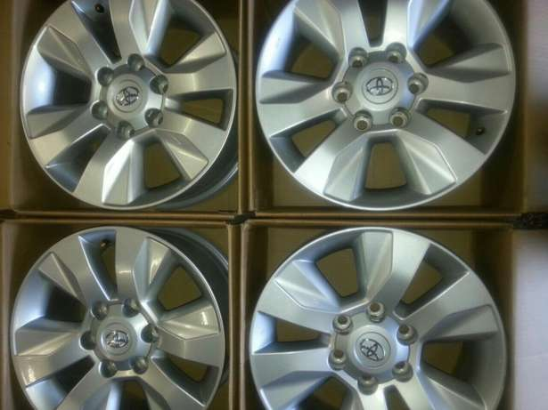 """17"""" inch mags for Toyota Hillux and Fortuners on sale a set ( 4 ) Pretoria West - image 4"""