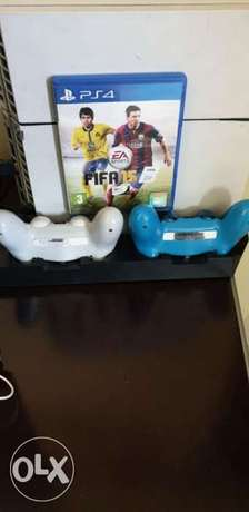 Ps4 with 2 controllers