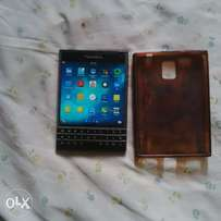 BlackBerry Passport- Black