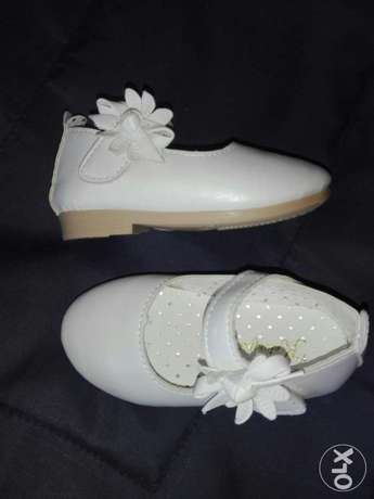 Girls white shoes size 21