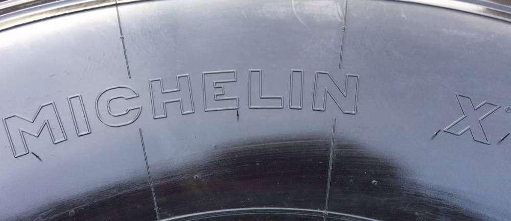 Michelin 525/65r20.5 Xs - Used Aa 60% - image 3