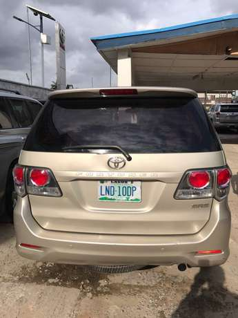 2012 reg fortuner..first body Lagos Mainland - image 4