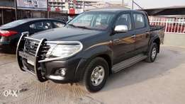 Registered 2009 Toyota Hilux 2.7 VVT-i With Manual Gear Auxiliary.
