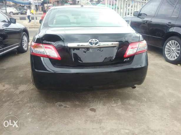 Clean Toyota Camry Lagos Mainland - image 4