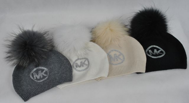 4b123ba61f60c wełniana czapka biała czarna szara beż cyrkonie logo mk michael kors Wrocław  - image 1