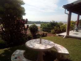 Illovo beach - 1 Bed flat with river view to rent - R3800