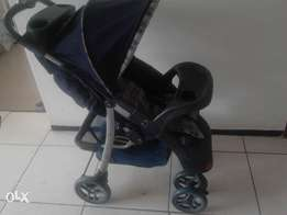 Little one pram and walking ring