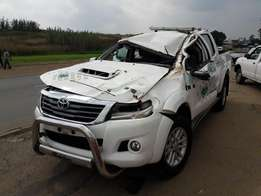Toyota hilux D-Cab 2KD stripping for spares