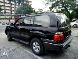 Toyota Land cruiser 2000 model