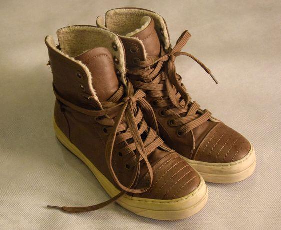 3da8da5f Super modne buty sportowe trampki z futerkiem - idealne roz. 36 Tuszyn -  image 1