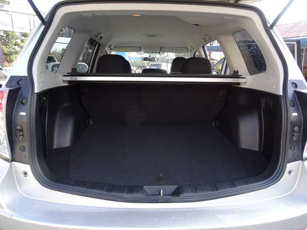 Subaru forester silver colour 2010 model excellent condition Kilimani - image 7