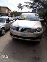 clean toyota fortuner in excelent working condition