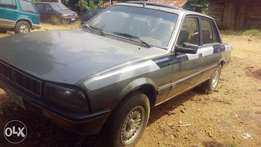 Peugeot 505 saloon car
