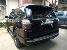 Toyota 4runner 2015 in super condition at a giveaway prics